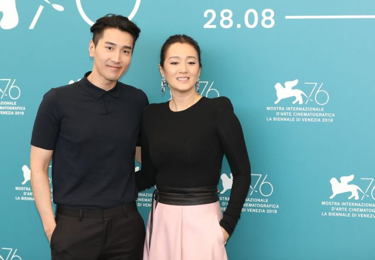 Festival di Venezia, l'attrice Gong Li fa scintille